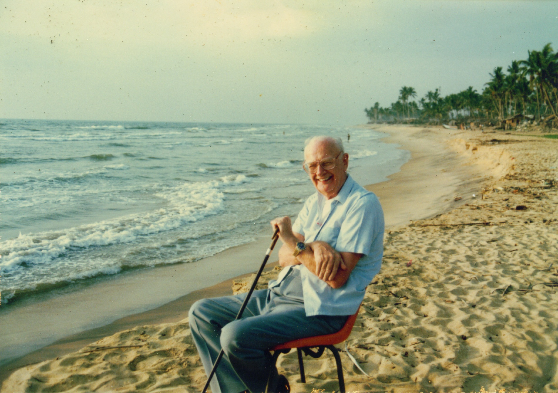 Arthur C Clarke enjoys one of his favourite beaches in Sri Lanka, where he lived from 1956 to 2008